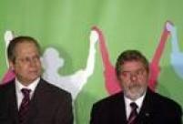 """Um dos responsáveis pelo pragmatismo político que levou à vitória de Lula na campanha à Presidência em 2002, Dirceu deixa o comando do PT e se torna coordenador político da equipe de transição. """"Dirceu é dono do espaço que quiser ocupar"""", dizia Lula na época."""