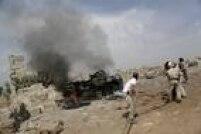 Veículo militar em base controlada por rebeldes sírios foi alvo, segundo os ativistas, de um bombardeio russo