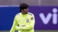 Kaká é o novo camisa 10 da seleção brasileira; Ricardo Oliveira é o 9