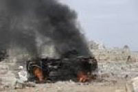 População da Síria tenta lidar com o problema dos explosivos não detonados ao longo do território, e de enterrar os corpos que são encontrados em meio aos escombros. A quantidade de perdas registradas no país assombra muitos moradores
