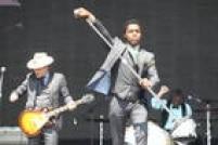 Vocalista doVintage Trouble,Ty Taylor arrebatou o público com seu rock'n'soul e com sua performance incendiária