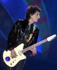 O guitarrista Ronnie Wood dos Rolling Stones na última apresentação da banda em São Paulo neste sábado, 27