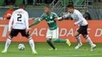 Grande joia do Palmeiras, o atacante Gabriel Jesus teve enorme dificuldade para superar a marcação dupla do Figueirense