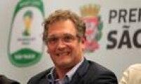 Em entrevista na Inglaterra, em 2012, Jerome Valcke criticou o atraso nas obras do Mundial de 2014, no Brasil: 'As coisas não estão funcionando. Muitas coisas estão atrasadas. O Brasil merece um chute no traseiro'