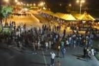 Diversos atos são marcados pelas redes sociais no País, como em Aracaju (SE), com reivindicações pulverizadas. Há grupos que se intitulam nem de direita nem de esquerda que convocam protestos anticorrupção, em favor da volta das Forças Armadas ao comando do País e pelo impeachment da presidente Dilma Rousseff.