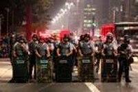Confronto entre manifestantes e PMs é mais intenso, após protesto com 2 mil pessoas no Largo da Batata.