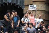 Vários punks, mascarados e black blocs também se juntaram ao ato contra tarifa no centro da capital paulista. Alguns usavam capacetes, coletes, joelheiras e luvas.