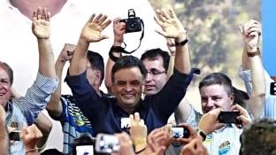Nereu Jr./Divulgação - Aécio faz campanha em São João Del-Rei