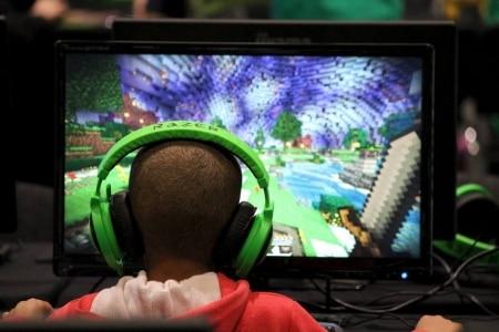 http://link.estadao.com.br/noticias/games,minecraft-tera-nova-loja-e-moeda-virtual-dentro-do-jogo,70001733680