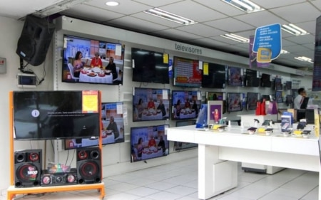 http://link.estadao.com.br/noticias/inovacao,sinal-analogico-de-tv-sera-desligado-em-sp-nesta-quarta-feira,70001717375