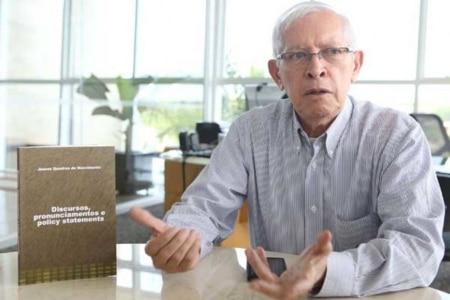 http://link.estadao.com.br/noticias/cultura-digital,senado-aprova-juarez-quadros-para-presidencia-da-anatel,10000080241