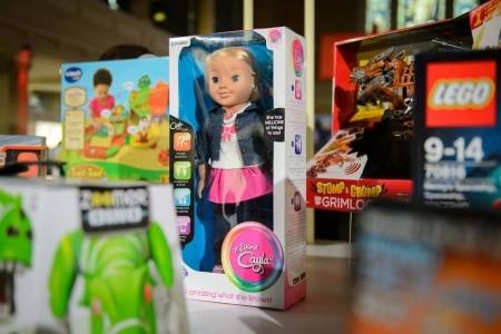 http://link.estadao.com.br/noticias/gadget,alemanha-proibe-venda-de-boneca-por-risco-de-ataque-hacker,70001672389