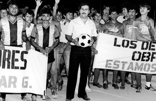 Pablo Escobar, morto em 1993, cometeu seu maior erro, segundo seu filho, ao entrar na política