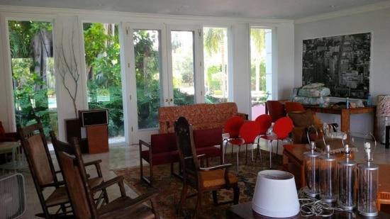 Sala da mansão que Pablo Escobar tinha em Miami; demolição começa esta semana