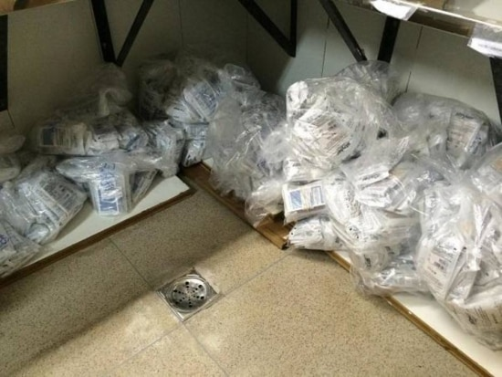 No Hospital Regional Paranoá, por exemplo, foram encontrados no chão, próximos a um ralo, parafusos e arruelas de titânio utilizados em cirurgias de coluna