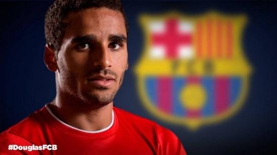 Douglas assinará contrato de cinco temporadas com o Barcelona