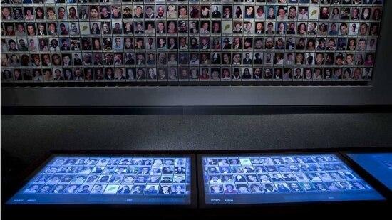 Painel interativo mostra vítimas do atentado