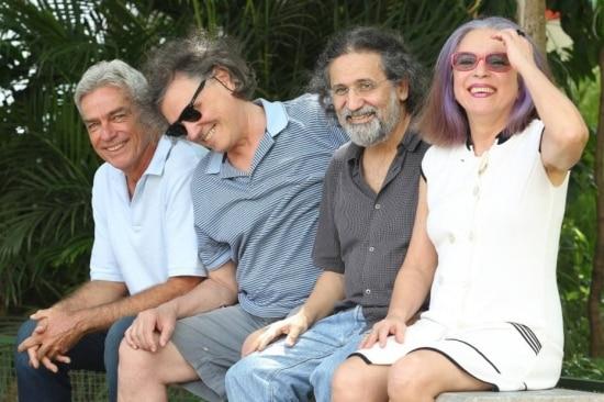 Reunião. Claus Petersen, Arrigo Barnabé, Luiz Tatit e Tetê Espíndola na Praça Benedito Calixto, uma extensão do Lira