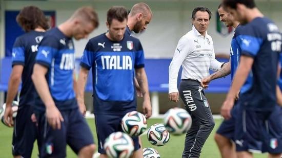 Prandelli dá descanso ao time que pretende colocar em campo contra a Inglattera