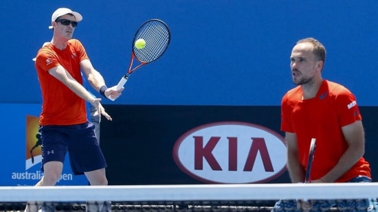 Dupla formada por Murray e Soares avançou às oitavas após vencer poloneses por 2 sets a 0