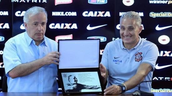 Corinthians planeja que Tite supere o recorde de Oswaldo Brandão