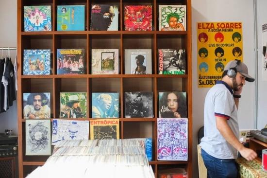 Loja Patuá Discos, na Vila Madalena, especializada em discos dos anos70
