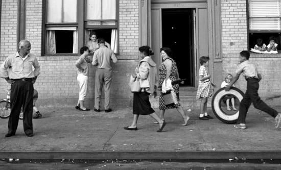 A fotógrafa jamais falava sobre sua vida ou seu passado, conta a matriarca da família Gen