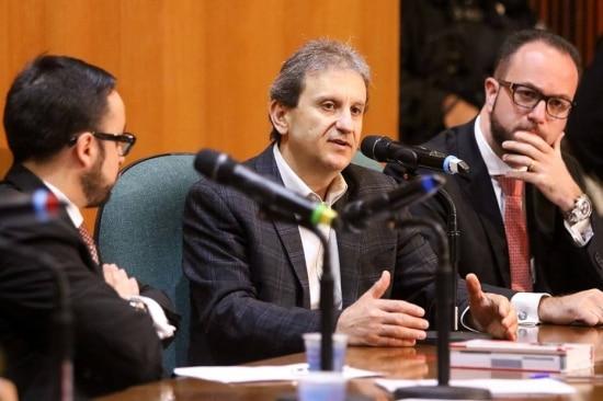 O doleiro Alberto Youssef, em depoimento na CPI da Petrobras,disse não conhecer pessoalmente Cunha nem ter repassado diretamente recursos