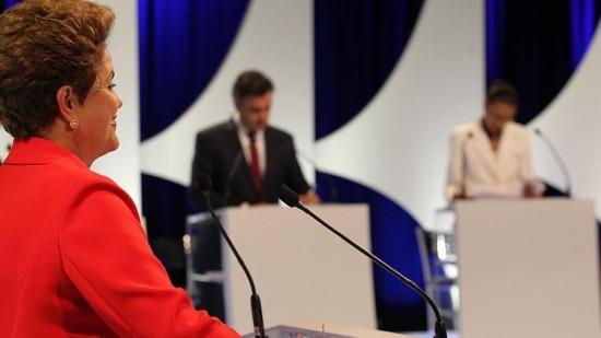 """Dilma: """"surto de feriados"""" durante o mês da Copa do Mundo influenciou PIB negativo"""