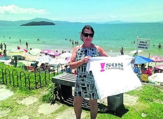 Até pousadas protestaram contra a poluição nas praias catarinenses, mas há medo de aumentar debandada de turistas