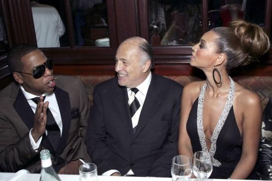 Jay-Z, Doug Morris e Beyonce Knowles, em 2006. Foto: Dale Wilcox/WireImage