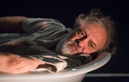 O ator Luciano Chirolli no ensaio da peça'Memórias de Adriano', monólogo baseado no livro da escritora belga Marguerite Yourcenar sobre o imperador romano