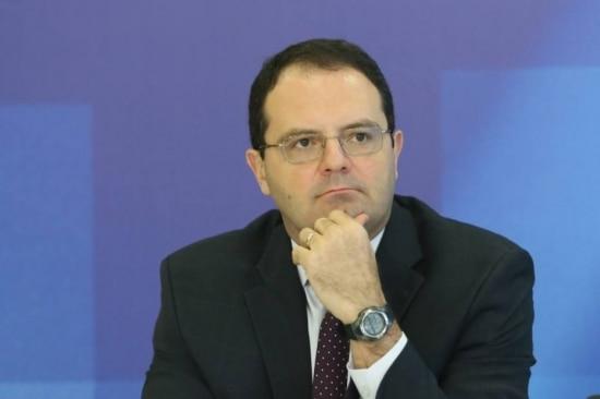 'Precisamos de um programa de estabilização da economia', diz Barbosa