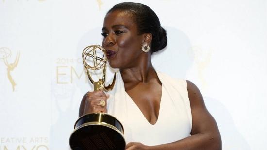 """A atriz Uzo Aduba foi premiada pela participação em """"Orange Is the New Black"""""""