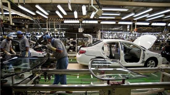 Indústria de transformação fechou 15.392 vagas de trabalho
