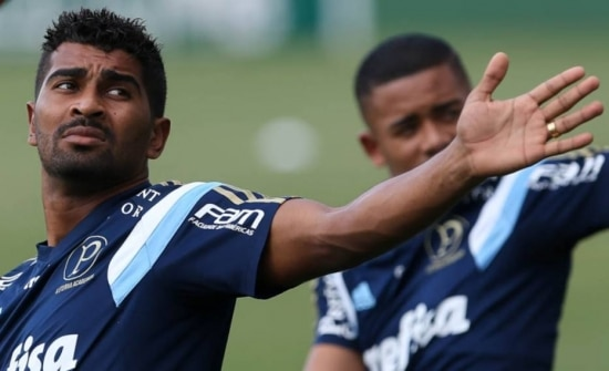Thiago Santos vê empate no Uruguai como bom resultado para o Palmeiras
