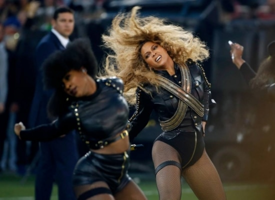 Beyonce no show do intervalo do Super Bowl 50