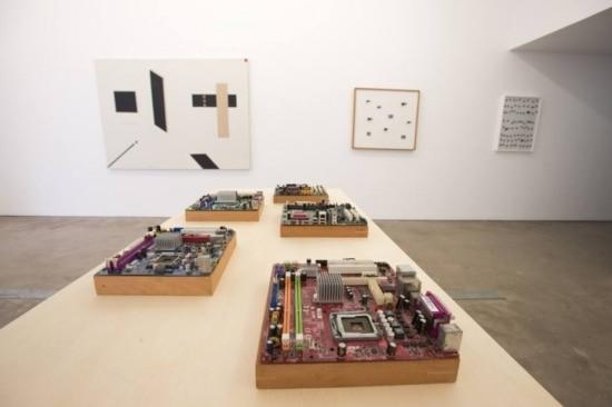 Maquetes de cidades eletrônicas e outras obras de Montez Magno na mostra 'Poemata'