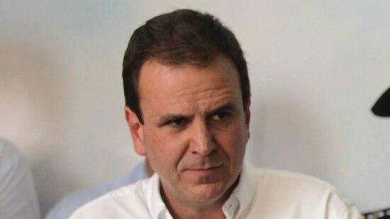 """""""Não há relação política, pessoal ou de parentesco que me faça ser conivente com qualquer tipo de corrupção"""", declarou prefeito"""