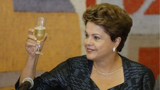 A unificação da linguagem para a criação de uma série de vacinas direcionadas à campanha à reeleição de Dilma teve início em fevereiro