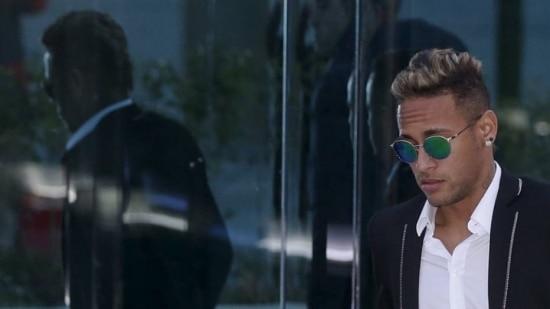 Acusado, Neymar também prestou depoimento na Espanha