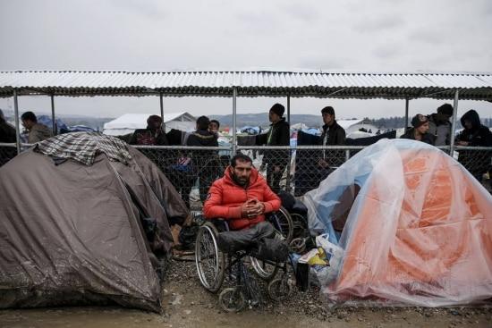 Refugiado sírioRadwan Sheikho em sua barraca no vilarejo grego de Idomeni