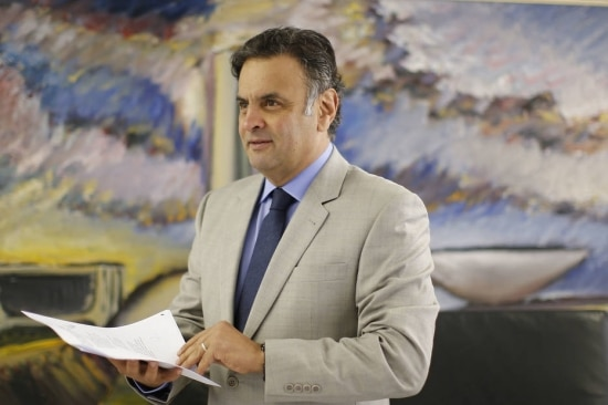 O presidente nacional do PSDB, senador Aécio Neves (MG), em seu gabinete, na capital federal