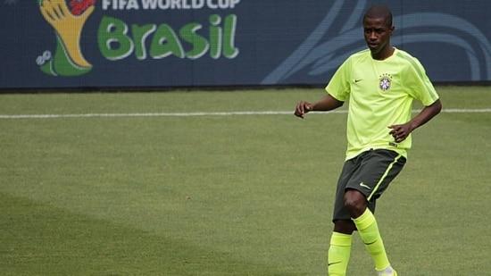 Ramires pode ter sua oportunidade de ser titular no segundo jogo do Brasil na Copa