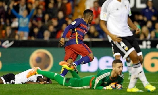 Sem estrelas, Kaptoum aproveita chance e marca seu primeiro gol pelo Barcelona