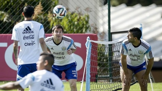 Messi fará trio de ataque com Agüero e Higuain