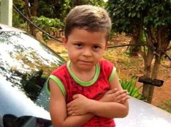 Na denúncia do MP, o padrasto é acusado de ser o agressor, enquanto a mãe consentia a violência e costumava por o filho Pedro Henrique Marques Rodrigues de castigo