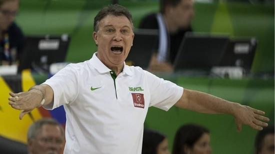 Magnano cobrou melhor desempenho nos dois pontos e nos lances livres