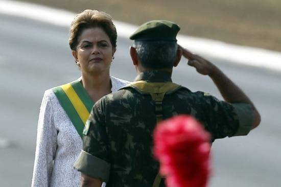 Dilma Rousseff durante desfile do 7 de setembro