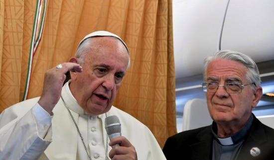 Papa conversou com jornalistas a bordo do avião que o levava da Armênia para Roma